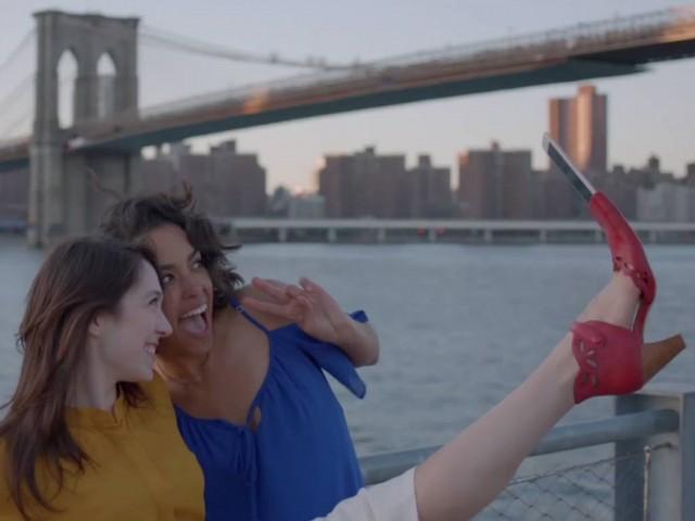 SelfieShoe