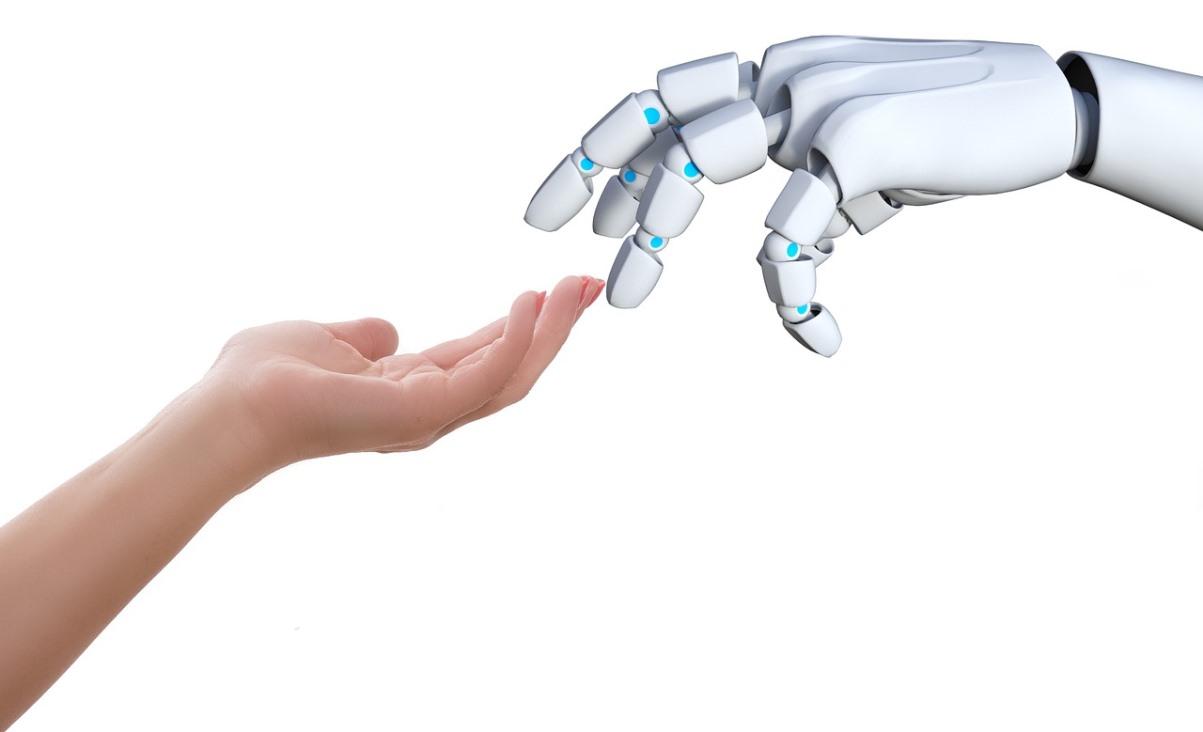 Cientificos desarrollan mano robótica para permitir la atención del paciente a distancia