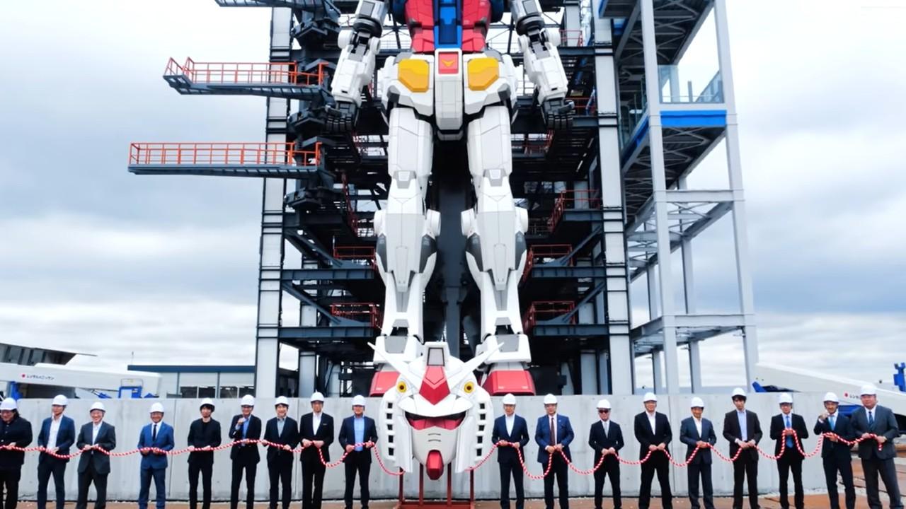 Gundam: el gigantesco robot da sus primeros pasos