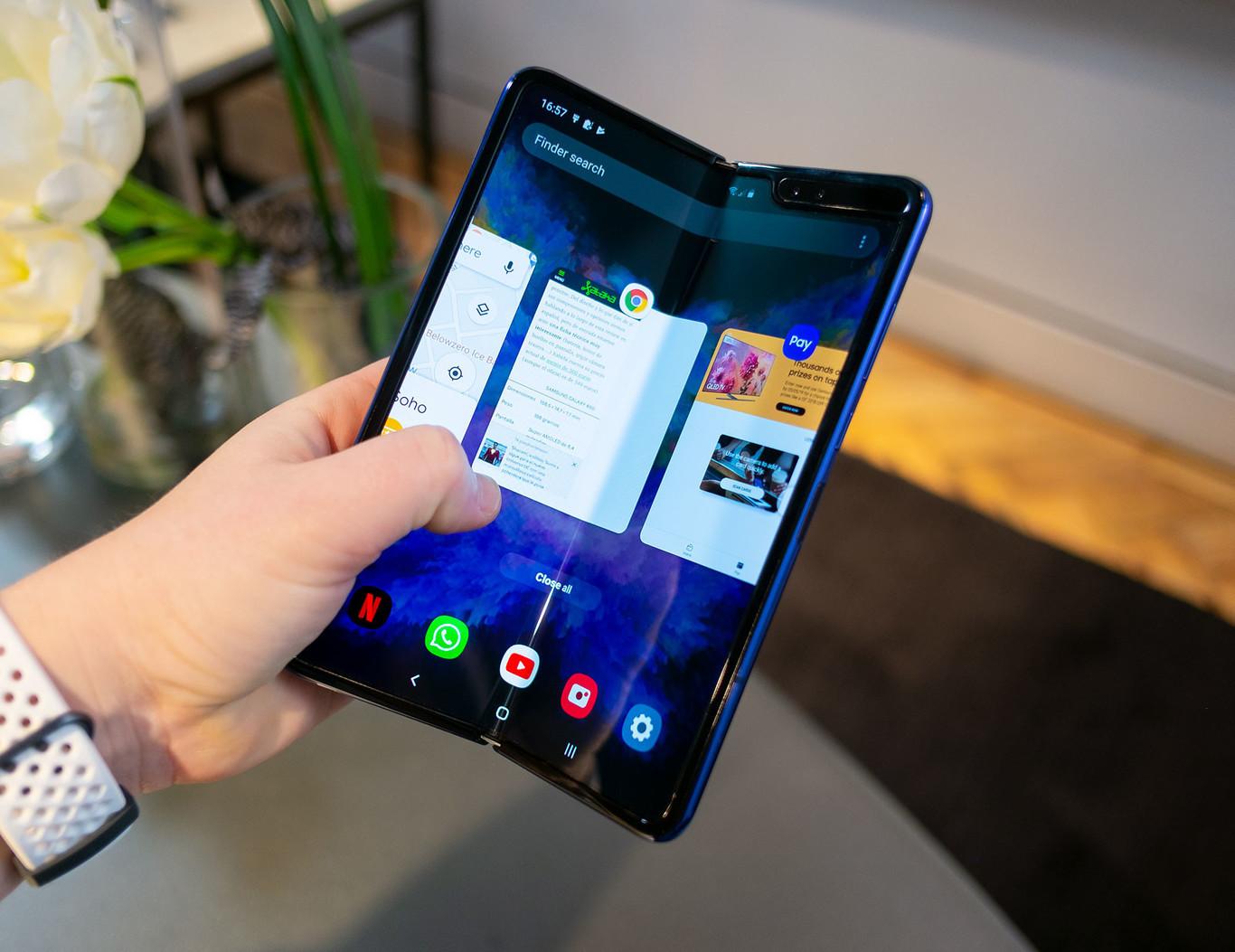 Samsung parece estar explorando un teléfono con pantalla emergente