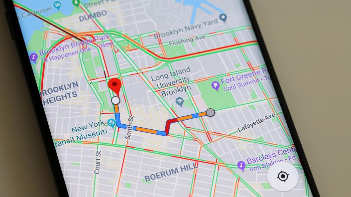 Google Maps comienza a mostrar paso peatonales y semáforos.