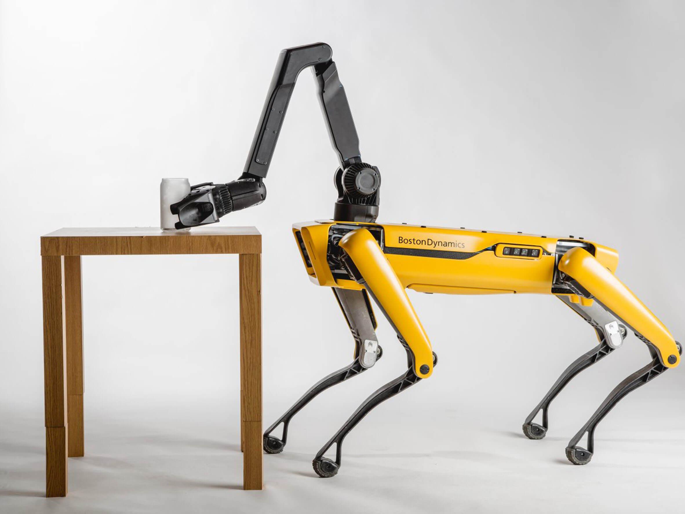 Boston Dynamics equipa con un brazo y mayor autonomía a Spot